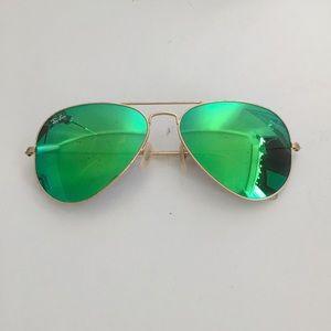 Ray Ban Green Aviator Flash Lenses